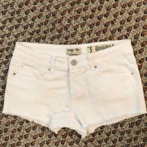 EUC Indigo Rein Forever Denim White Shorts size 5